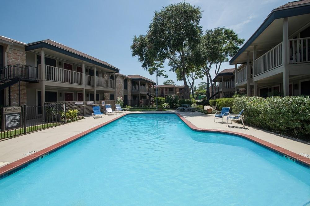 Pool at Listing #139348