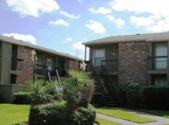 Arbor on Richmond Houston - $605+ for 1 & 2 Bed Apts