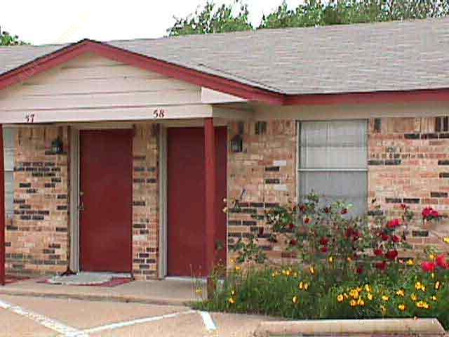 Exterior 2 at Listing #137471