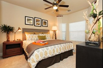 Bedroom at Listing #257733