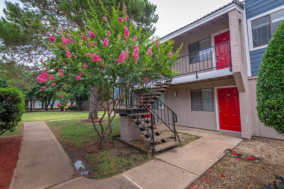 Exterior at Listing #137083