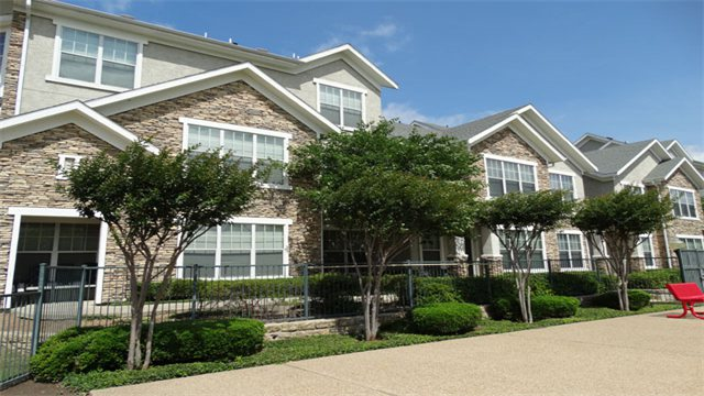Exterior at Listing #144334