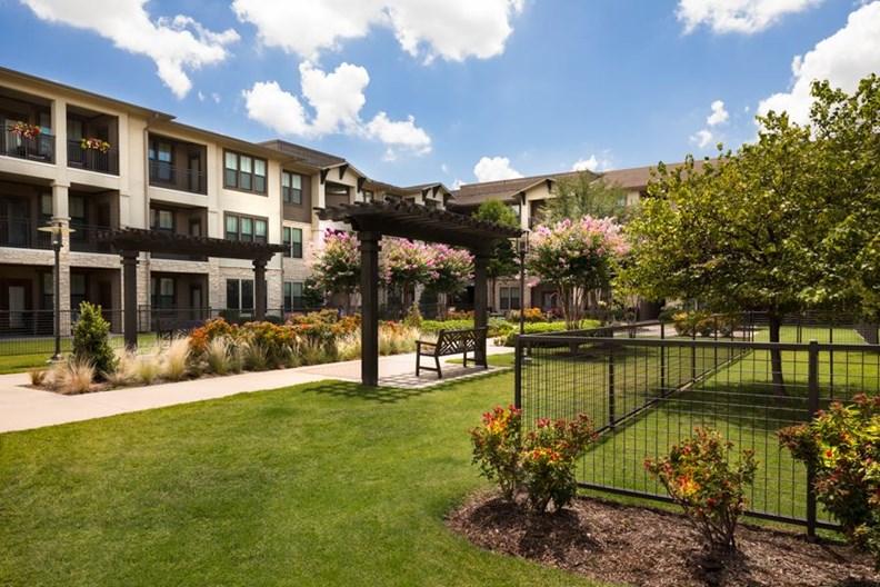Stoneledge Apartments