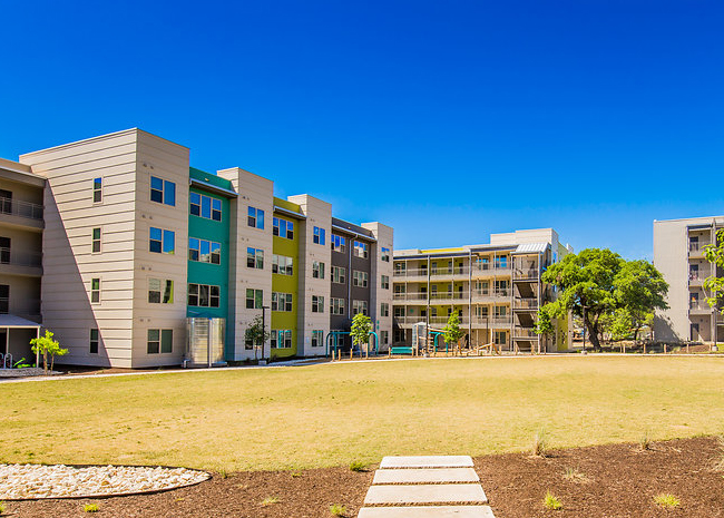 Lakeline Station Apartments , TX