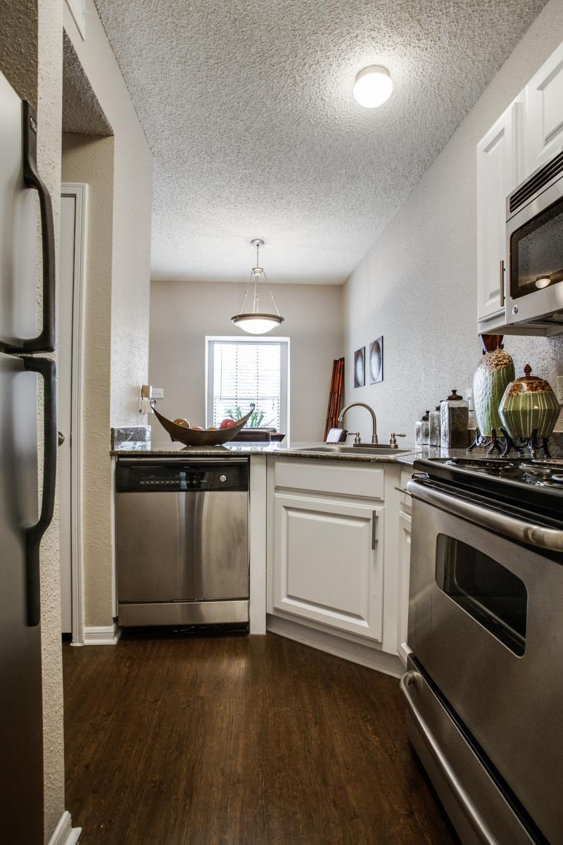 Kitchen at Listing #140533
