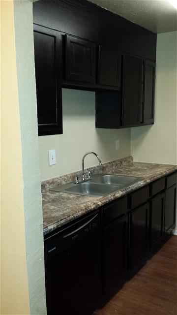 Kitchen at Listing #138019