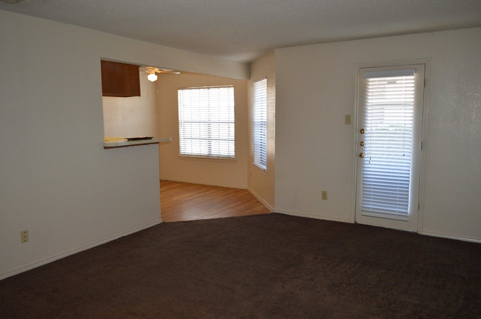 Living/Dining at Listing #136433