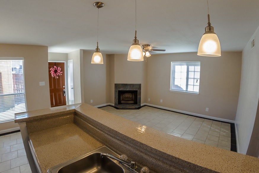Living at Listing #254048
