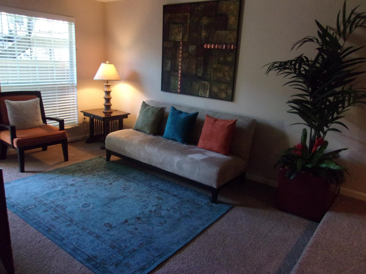 Living at Listing #139441