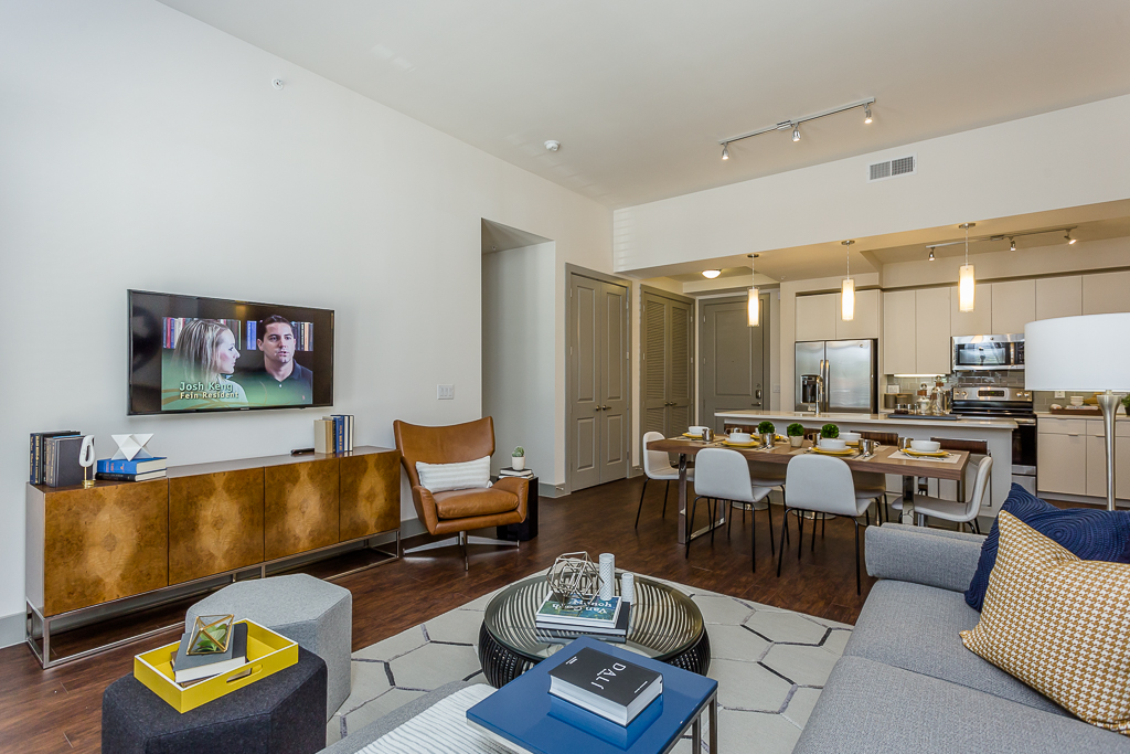 Living at Listing #262468