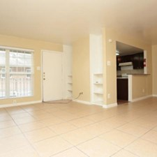 Living at Listing #139640