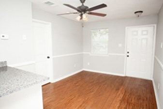 Living at Listing #214330