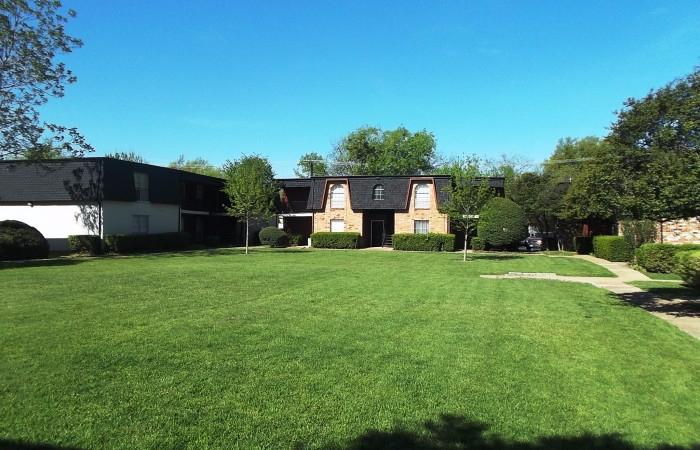 Exterior at Listing #137223