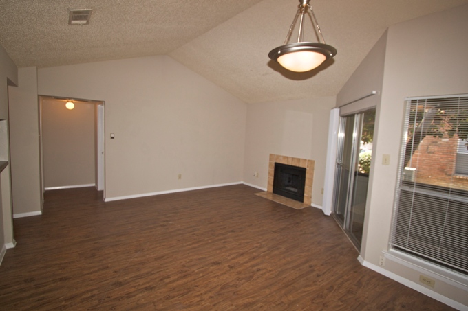 Living at Listing #140377