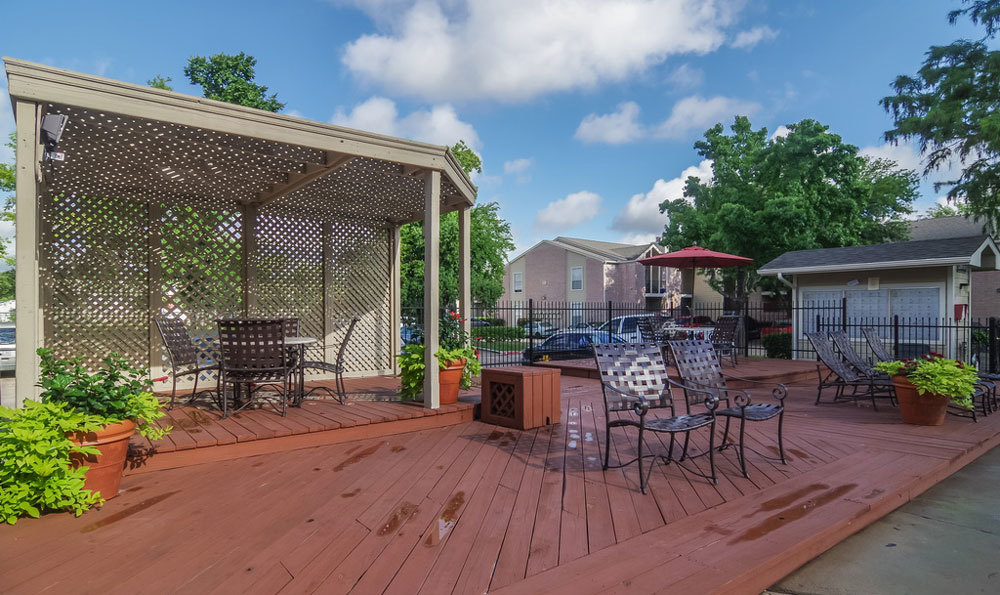 Lounge at Listing #139577