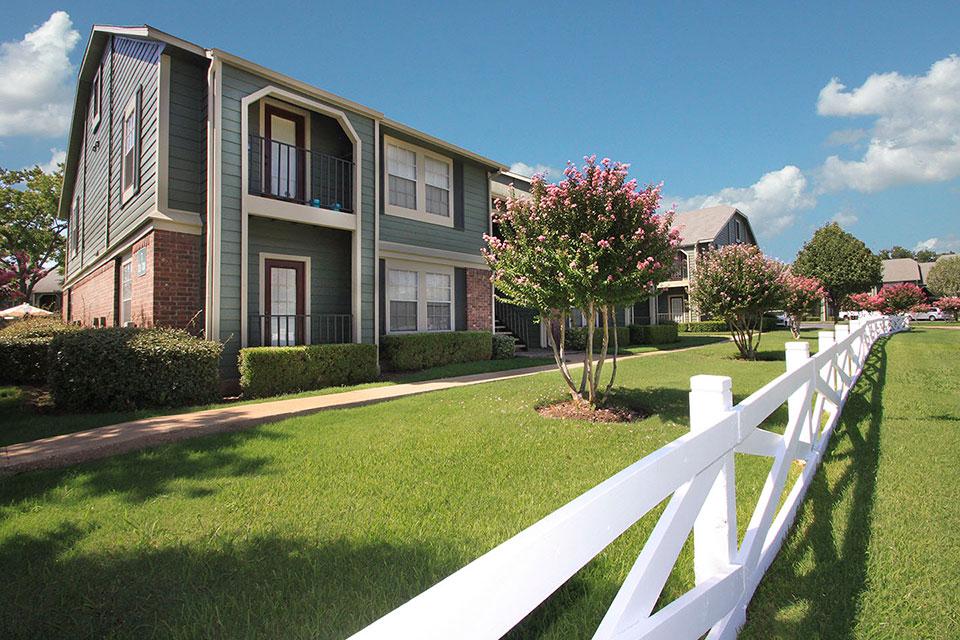 Arbors of Burleson Apartments Burleson TX