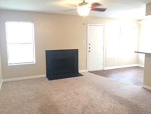 Living Room at Listing #139189