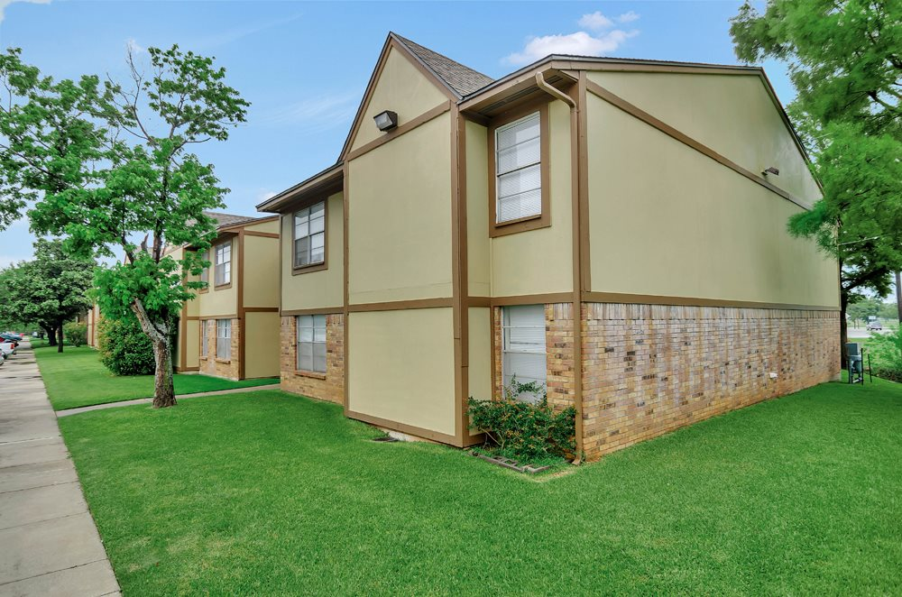 Exterior at Listing #217376