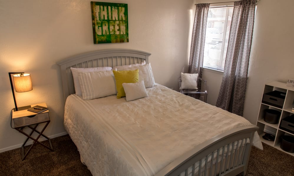 Bedroom at Listing #137011