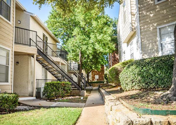 Summerwood Apartments Irving TX