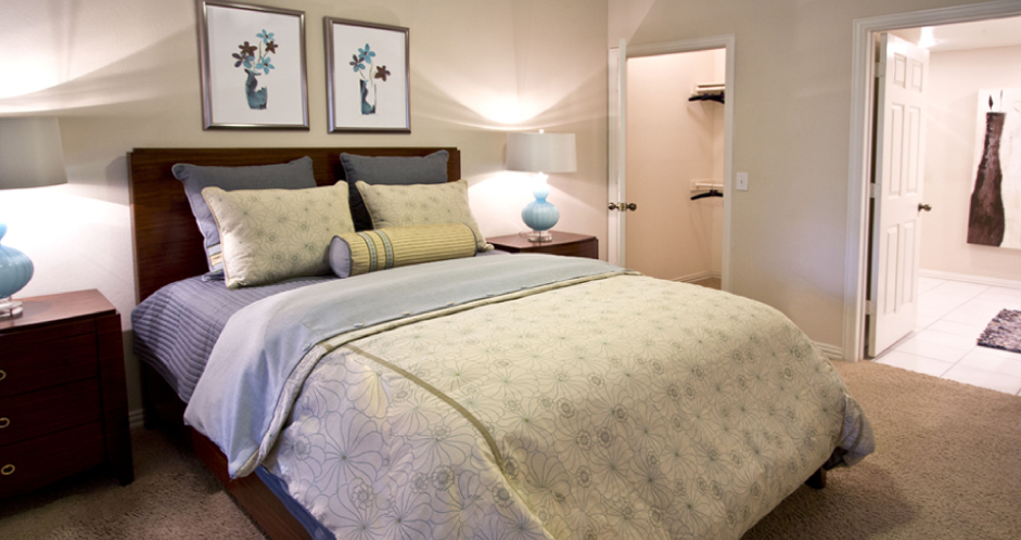 Bedroom at Listing #136704