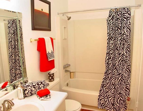 Bathroom at Listing #138639