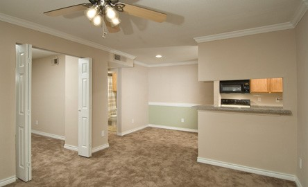 Dining at Listing #138510