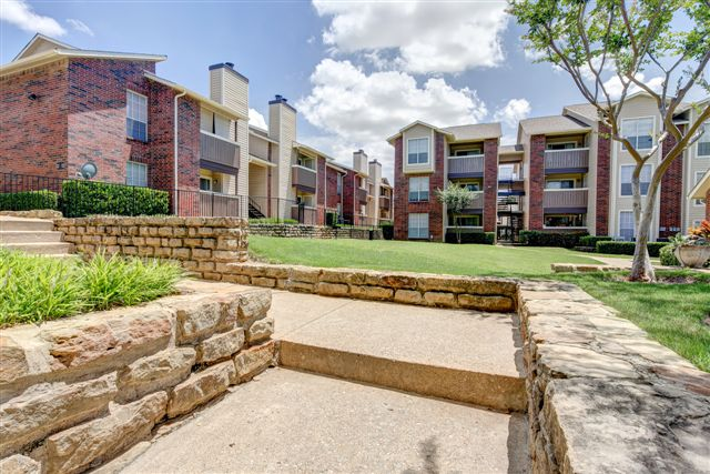 Covington Creek Apartments Irving TX