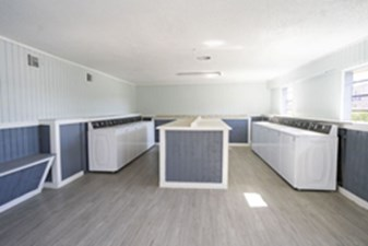 Laundry at Listing #138502
