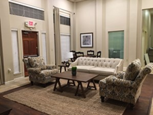 Lounge at Listing #144874