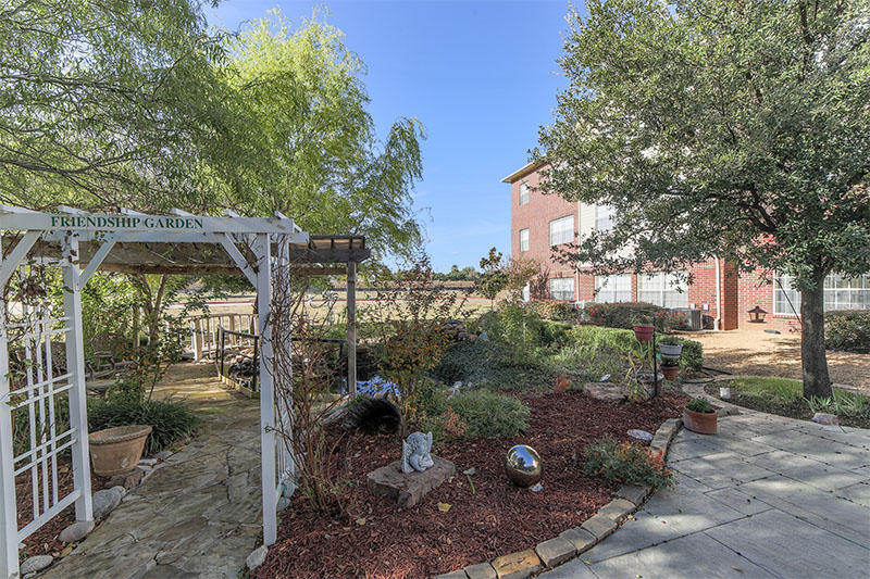 Courtyard at Listing #237394