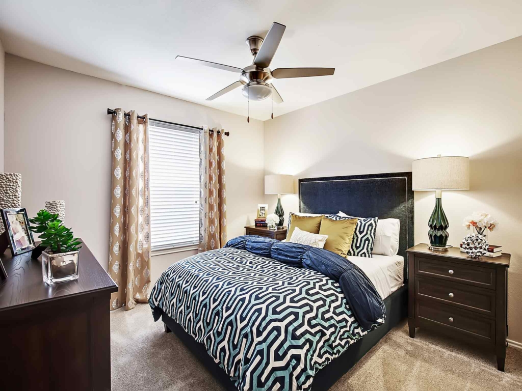 Bedroom at Listing #136382