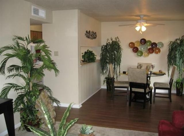 Dining at Listing #139862