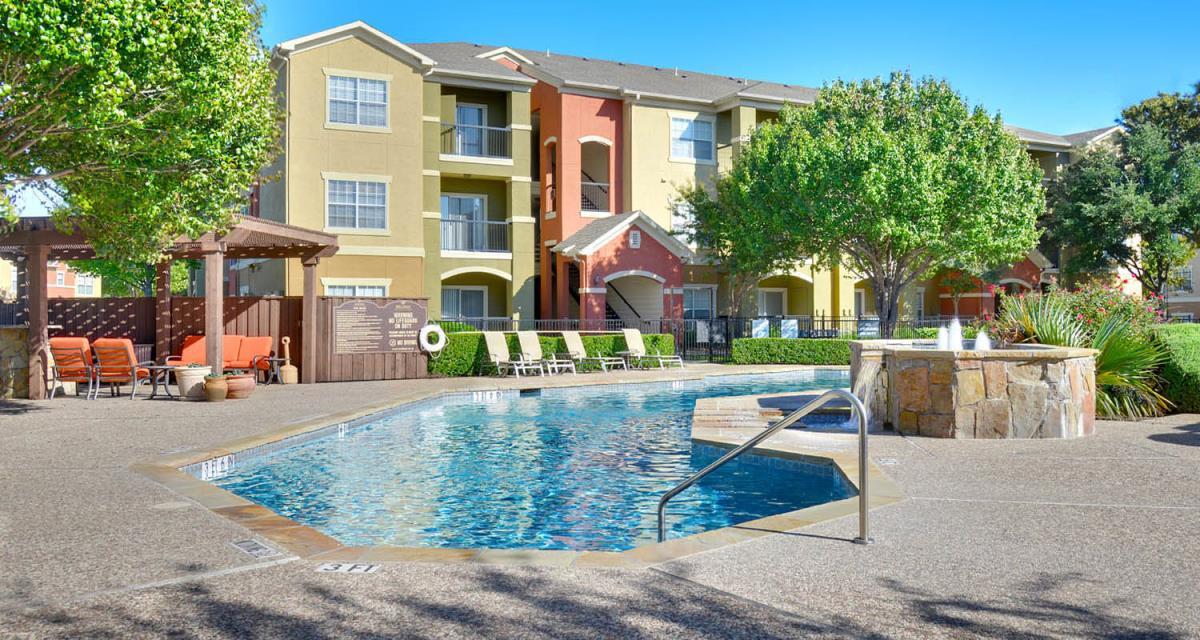 Northern Cross Apartments Haltom City TX