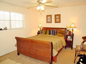Bedroom at Listing #139153