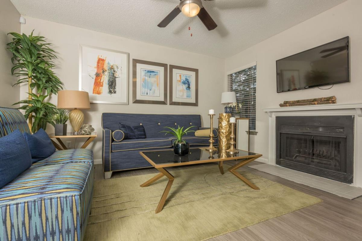 Living at Listing #136158