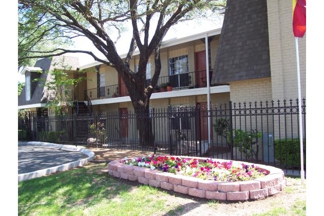 Hamilton Place San Antonio  $595+ for 1, 2, 3 & 4 Beds