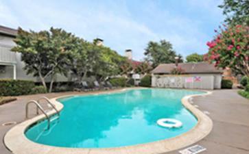 Pool at Listing #135907