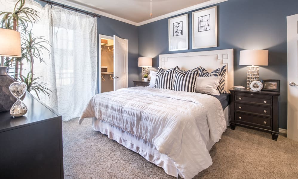 Bedroom at Listing #137856