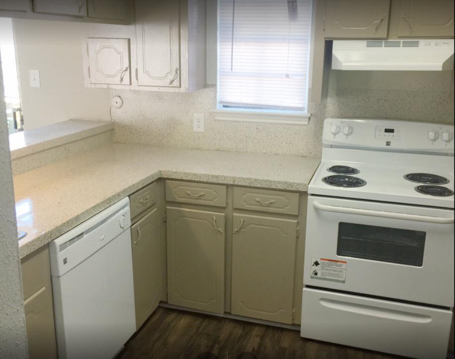 Kitchen at Listing #139749
