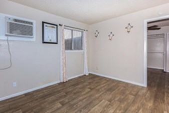 Living at Listing #140916