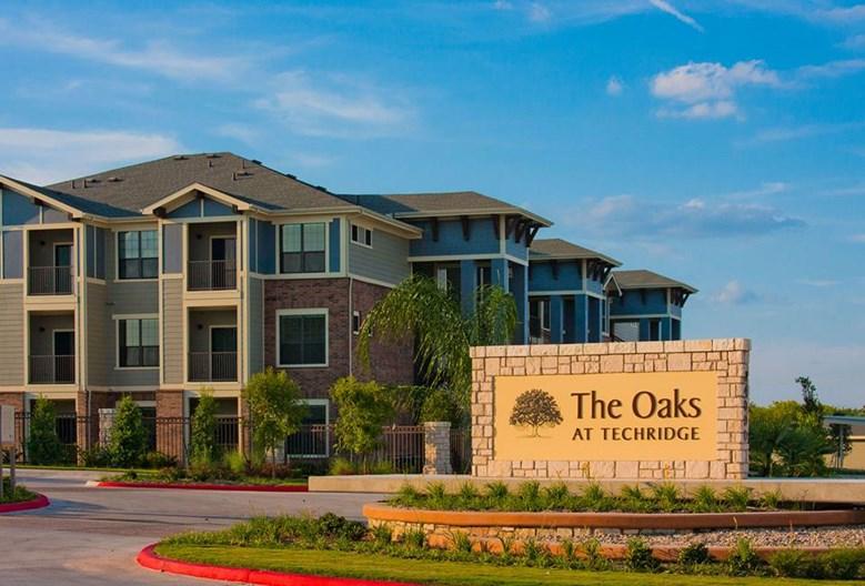 Oaks at Techridge Apartments