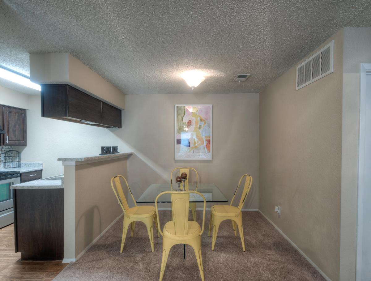 Woodchase Apartments Austin 850 For 1 Amp 2 Bed Apts