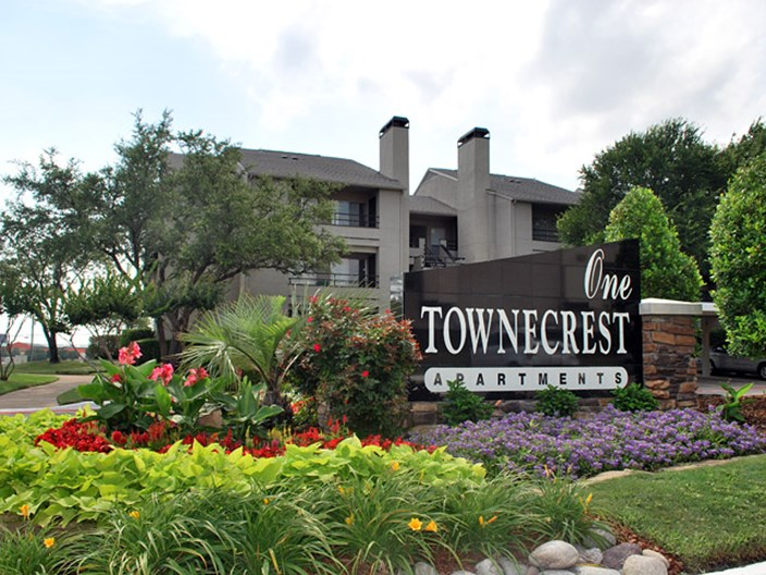 One Townecrest Apartments