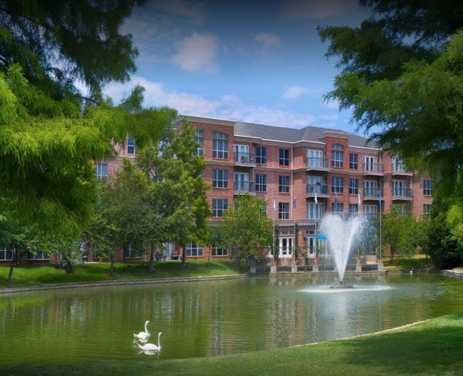 Signature Pointe On The Lake Apartments