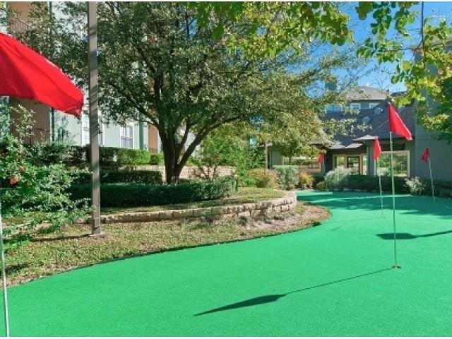 Putting Green at Listing #137617