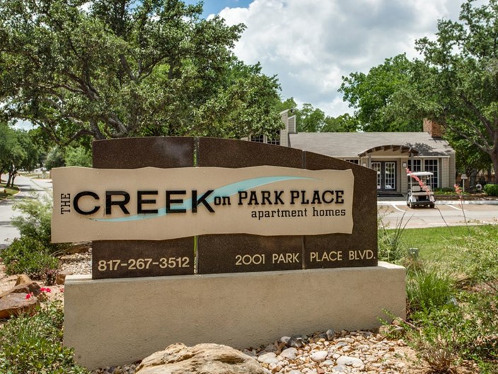 Creek On Park Place Bedford 825 For 1 Amp 2 Bed Apts