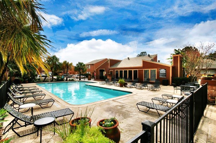 Lakeshore Apartments Houston TX