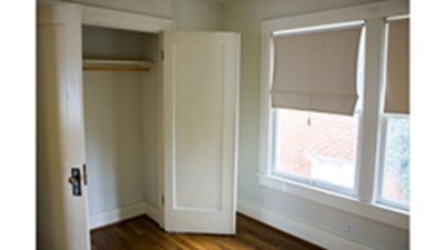 Bedroom at Listing #138176