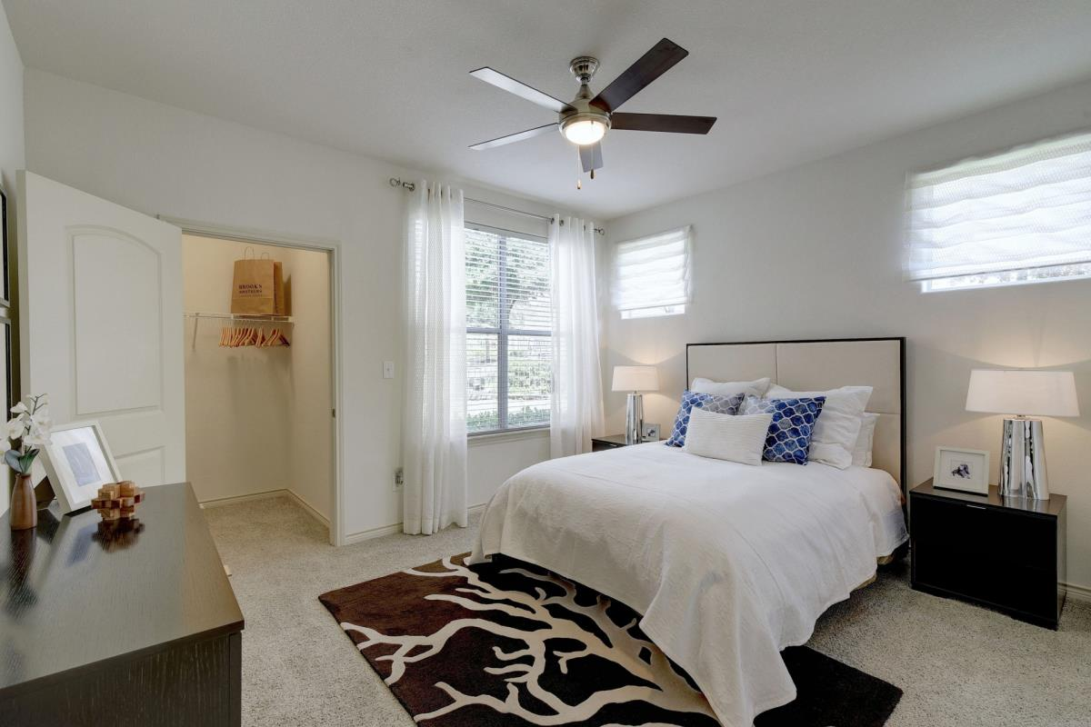 Bedroom at Listing #145764